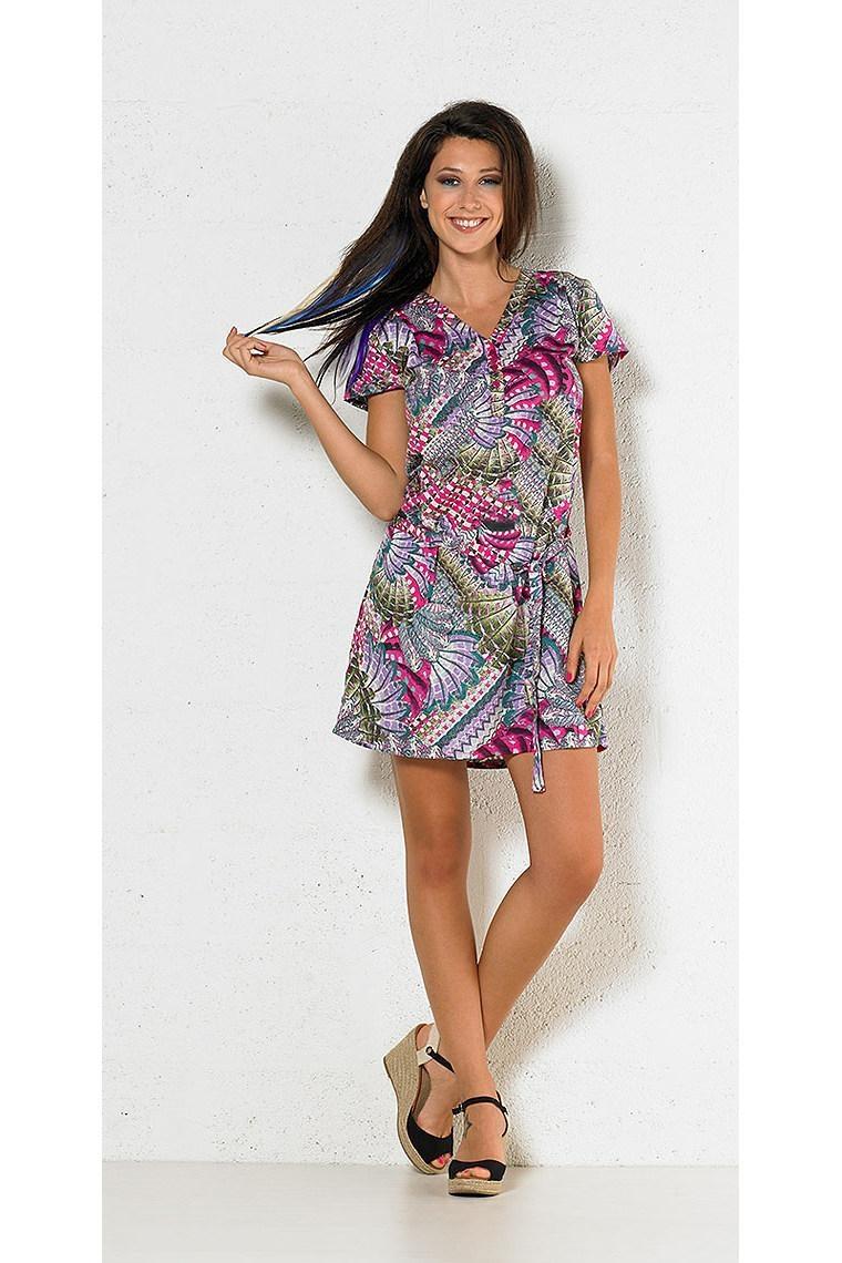 52647657a78 Jolie robe courte en coton très élégante et décontractée