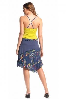 Falda de mediados de largo, con una impresión floral