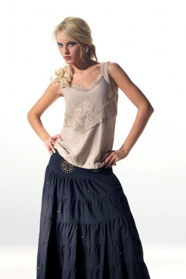 Embroidered suspender top in viscose stone wash