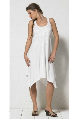 Casual short white dress embroidered