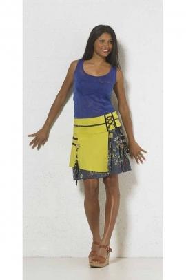 Jolie jupe courte avec lacets, imprimé fleuri