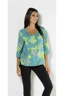 fluid light blouse, ¾ sleeves, printed flowers, pastel