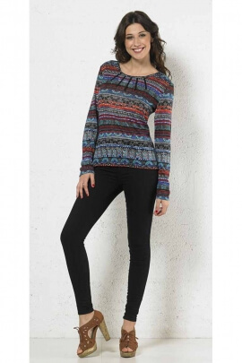 Nice sweater Ethnic been printed for medieval woman