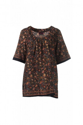 Ample blouse and sari-style light, short sleeves, printed flowers