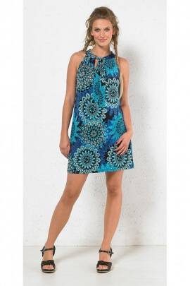 Short sunbathing dress, casual and colorful, trapeze style