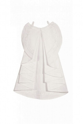 Classic white jabot, to medieval shirt to wear to the theater or cinema
