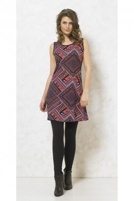 Short dress hippie chic, shoulders, graphic patterns