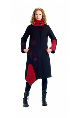 Coat hippie chic, boiled wool, collar and bottom edge