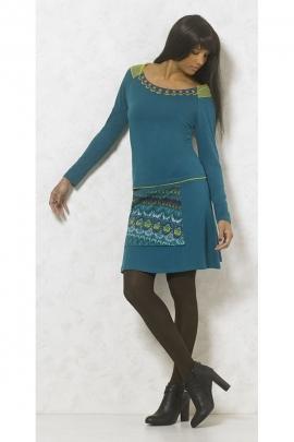 Tee-shirt chic et féminin, col large, épaulettes en dentelle