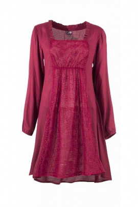 Chic dress-knit with lace, bohemian-style, square neck and long sleeves