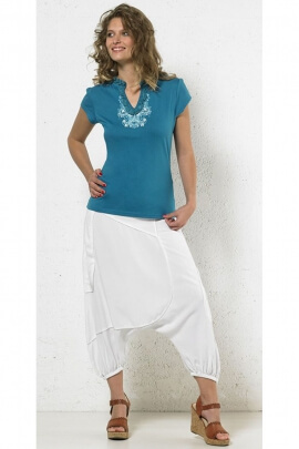 T-shirt ethnic casual V neckline lace and printed necklace