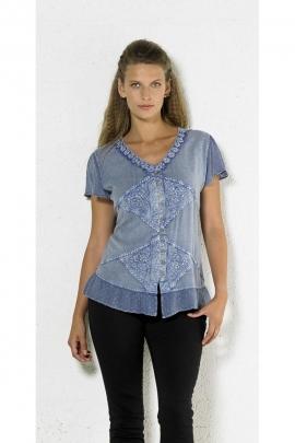 Blusa con bordados, original de piedra de lavar, abotonado y encaje