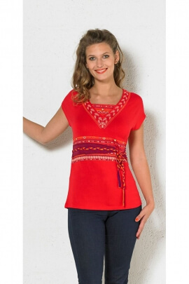T-shirt ethnic mi-long-casual, V-neck, with the atmosphere of a hippie