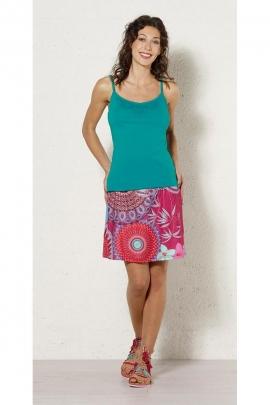 Jupe courte fluide et seyante, motif coloré original, style décontracté