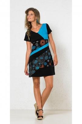 Robe patchwork originale, manches courtes, aux motifs floraux colorés