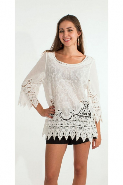 Blouse romantic with embroideries in crochet, bell sleeves, macramé white cotton