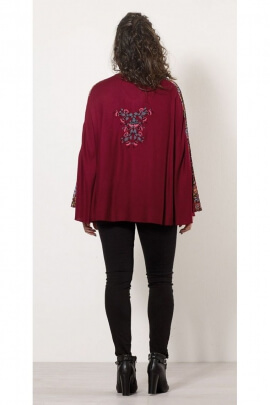 Poncho embroidered sizes small and large, viscose, batwing sleeves