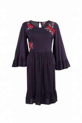 Dress fashion indian for the winter, very original with embroidery and pretty ruffles
