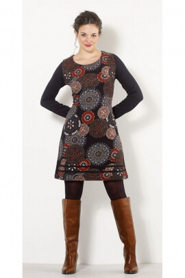 Fitted dress hippie chic, with long sleeves, printed rosettes afro