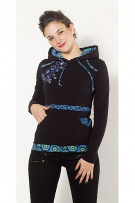 T-shirt blanket is very soft and hoody, patchwork and circular impressions colored