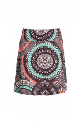 A short skirt with colorful, comfortable and elasticated, urban style and ethnic