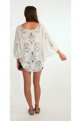 Poncho white feminine and romantic, embroidery, English and macramé