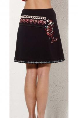 Short skirt original, effect flap asymmetrical, trend in hispanic colorful