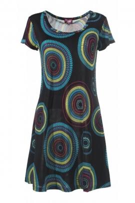 Robe ethnique classique, mais originale et légère, motifs colorés