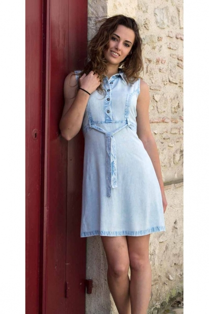 Dress in viscose original, washed-out and sleeveless, clothing indian