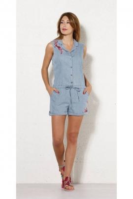 Combi courte moderne, en jean avec broderies fleuries colorées