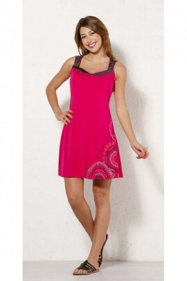 Short dress, original and laid-back, laces in the back, colorful patterns