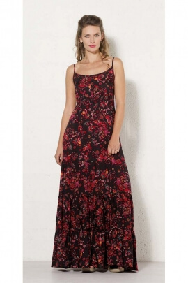 Long dress bohemian romantic with its fabric floral colorful