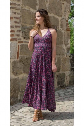 Dress bohemian long casual fabric for a colorful sari, bare backs and spaghetti straps