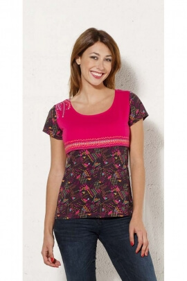 T-shirt casual with small sleeves, printed graphics, bust a contrasting