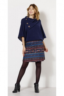 Adorable short skirt with printed Incas and mesh trend comfortable.
