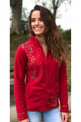 Fleece jacket very feminine at stand-up collar with embroidery in rose-colored
