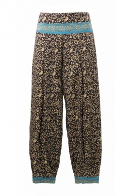 Cut pant aladin tight at the ankle, ethnic style