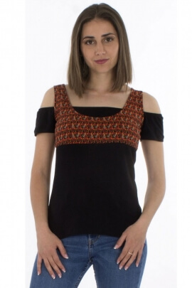 Bardot-style off-the-shoulder t-shirt, cotton elastane