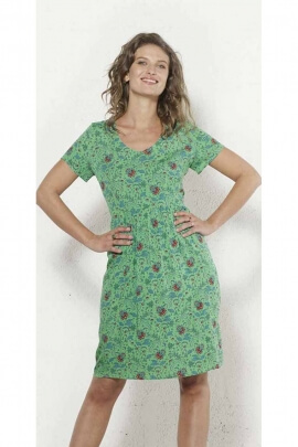 Comfortable short dress finely gathered at the waist