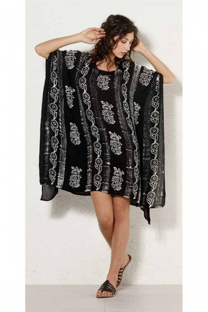Black and light poncho tunic for the beach