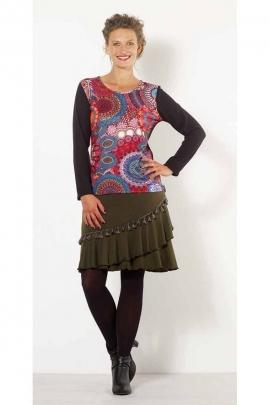 Warm pompom mid-length skirt with a bohemian look