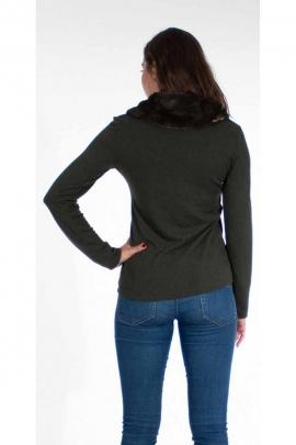 Original sweater, faux fur at the collar
