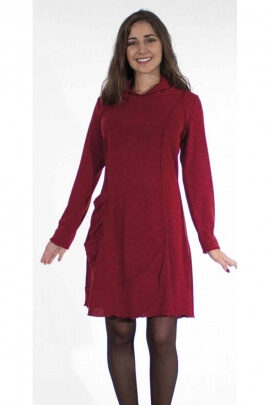 Sweater dress with long sleeves and stitching