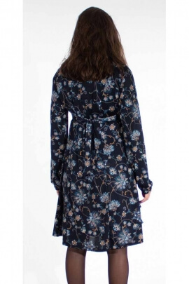 Vintage and romantic dress with floral print