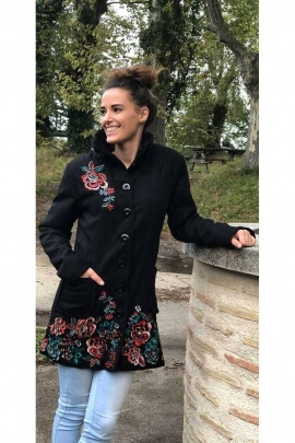 Chic mid-length black wool coat embroidered with flowers