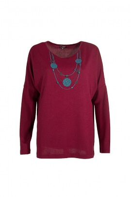 Pull maille col imprime collier