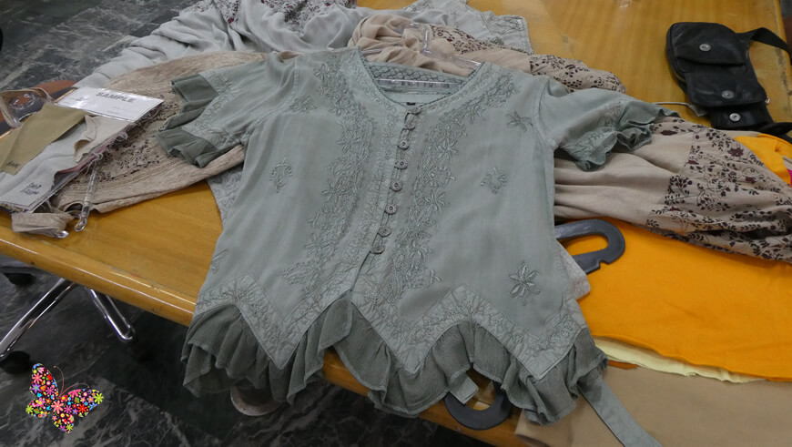 Embroidered blouses stone wash, an Indian know-how